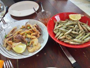 friture encornets et jols resto l'entonnoir halles de sète languedoc