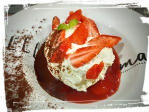tiramisu aux fraises o bistrot saint guilhem le desert sucré salé en languedoc