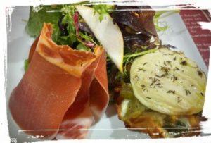 salade cévenole o bistro saint guilhem le desert sucré salé en languedoc