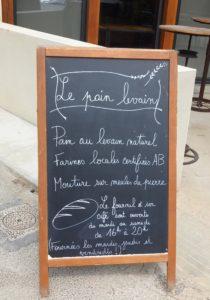 ardoise présentation boulanger pain levé azillanet sucré salé en languedoc