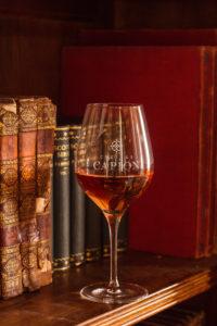 verre de vins chateau capion aniane sucré salé en languedoc